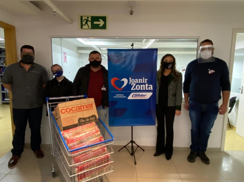 Condor doa 60 cestas de alimentos para instituições beneficentes de Curitiba